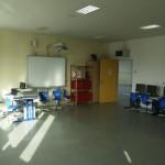 Computerraum mit Lehrerarbeitsplatz